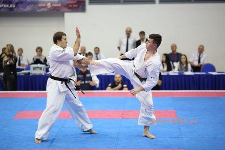 Чемпионат России по Киокусинкай каратэ 2017-urakenru тамэшивари 65