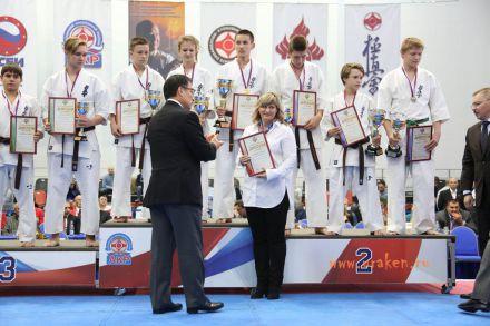 Чемпионат России по Киокусинкай каратэ 2017-urakenru тамэшивари 80