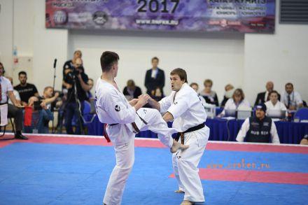 Чемпионат России по Киокусинкай каратэ 2017-urakenru тамэшивари 70