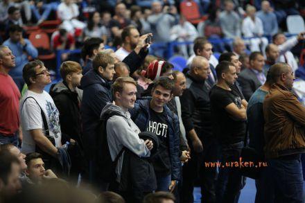 Чемпионат России по Киокусинкай каратэ 2017-urakenru тамэшивари 72