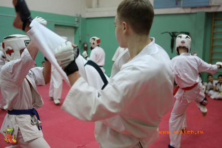 Общая тренировка клуба УРАКЕН  в Лицее 9 с каратистами из Волжского 26
