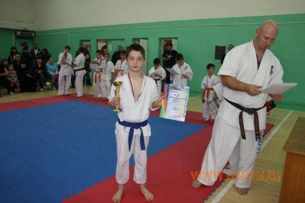 Учебно-тренеровачные 8 клубные поединки УРАКЕН по каратэ киокушинкайкан 27